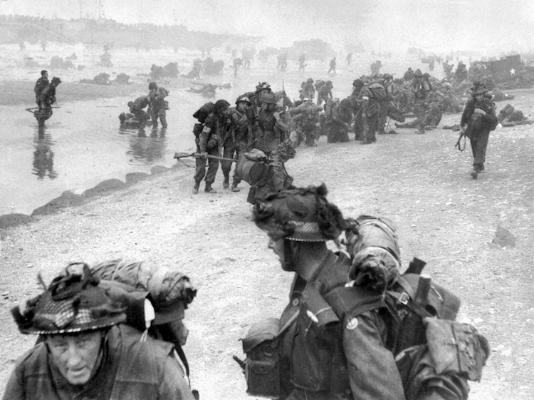 d-day_cover_troops