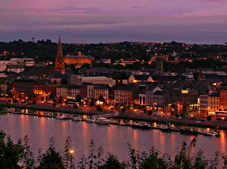 waterford_by_night