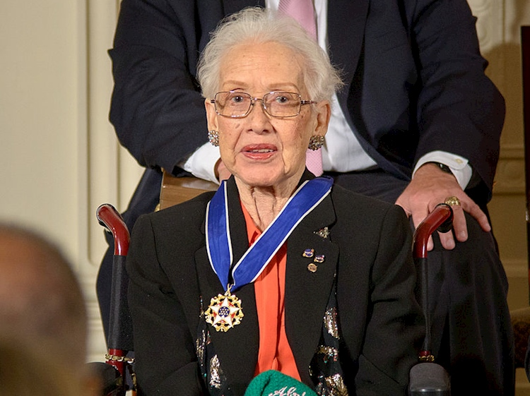 katherine_johnson_awarded_presidential_medal_of_freedom_2015